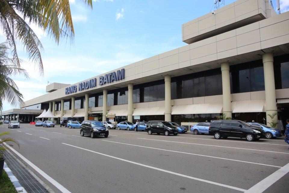 Pergerakan Lalu Lintas Angkutan Udara di Bandara Internasional Hang Nadim Batam Maret 2021 (hms)